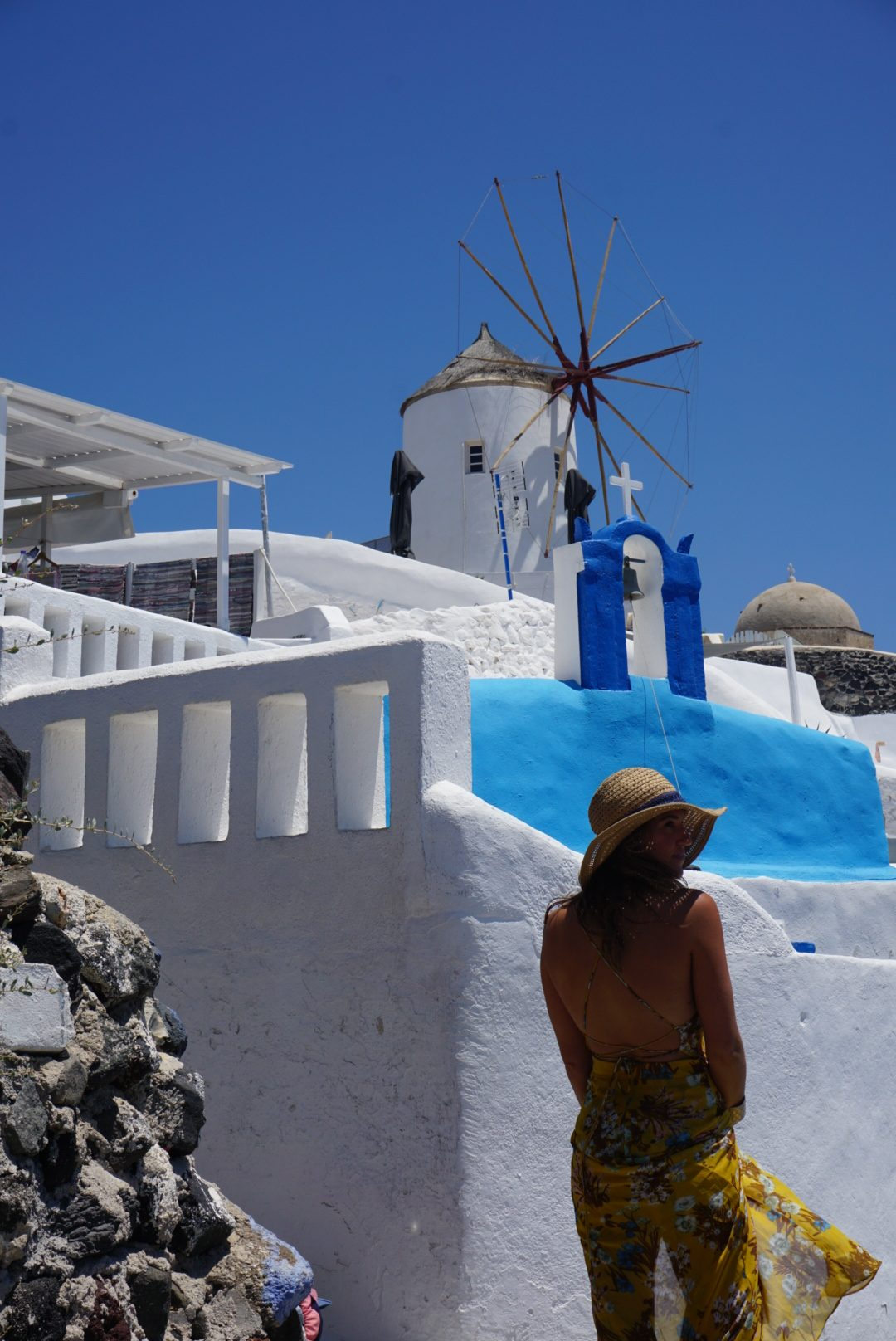 things to do in santorini for young people